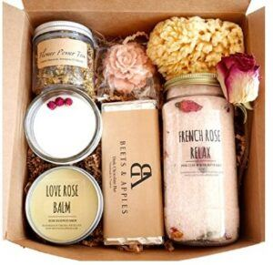 Cute Mother Day Gifts-Rose-Spa-Gift-Set